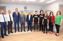 ANADOLU LİSESİ - Bilgi Yarışmasında Türkiye Birincisi Olan Öğrenciler, Vali Demirtaş'ı Ziyaret Etti