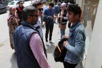 ZABıTA - Emniyet Adım Adım Gezip, 'Huzurlu Sokaklar' Denetimi Yaptı