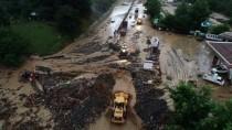 KARAYOLLARI - GÜNCELLEME - Bursa'da Sel Ve Heyelan Yol Kapattı
