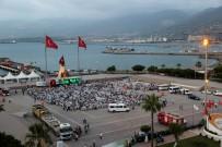 BÜYÜKŞEHİR BELEDİYESİ - Hatay Büyükşehir Belediyesi İskenderun'da İftar Verdi