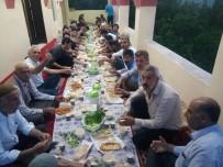 MUSTAFA YıLDıZ - Köyün Gençleri Tüm Köye İftar Yemeği Verdi