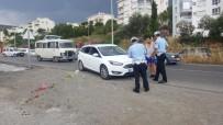MOTOSİKLET SÜRÜCÜSÜ - Kuşadası'nda Trafik Kazası; 1 Yaralı