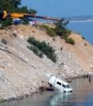 GÜVERCINLIK - Muğla'da Kamyonet Denize Uçtu Açıklaması 2 Yaralı