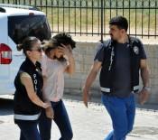 BATMAN EMNİYET MÜDÜRLÜĞÜ - O kızlar bu kez gazetecilere saldırdı