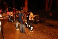 TİCARİ ARAÇ - Önce Bisikletlilere Sonra Ağaca Çarptı Açıklaması 2 Ölü