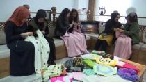 KIZ ÖĞRENCİLER - Yaptıkları Eşyalarla Hastanelerdeki Çocukların Yaşamına Dokunuyorlar