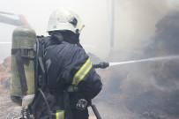 Anız Yangınından Sıçrayan Alevler Saman Deposunu Kül Etti