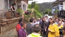 Başbakan Yardımcısı Hakan Çavuşoğlu Sel Ve Heyelan Bölgesinde