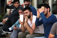 POLİS EKİPLERİ - Hastaneye Kızıp Çatıya Çıktılar