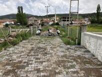 ÜÇPıNAR - Kızılcahamam'da Kilit Taşı Döşemeleri Başlatıldı