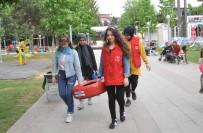 ANADOLU LİSESİ - Öğrencilerden Sokak Hayvanlarına Yatak