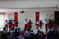 TOPLANTI - Öğrencilerin Bayrak Sevgisi Duygulandırdı