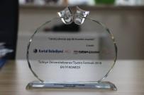 OYUNCULUK - Tiyatro Topluluğuna 'En İyi Komedi Ödülü'