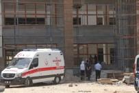 Asma Tavan Yaparken Düşen İşçi Öldü
