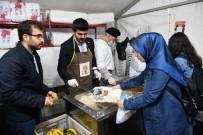 BEŞEVLER - Başkan Tuna, Orucunu İftar Çadırında Açtı