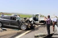 Otomobil, Kamyonete Arkadan Çarptı Açıklaması3 Yaralı