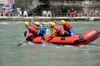 MUNZUR - Raftingciler, Şampiyonada Dalgalara Meydan Okudu