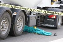 POLİS EKİPLERİ - Tırın Çarptığı Suriyeli İş Adamı Öldü