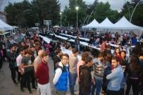 ÖMER TORAMAN - Tokat'ta 2 Bin 500 Kişi Birlikte İftar Yaptı