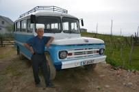 1962 Model Otobüsüne Gözü Gibi Bakıyor