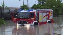 ÇETİN EMEÇ - Ankara'da Şiddetli Yağış Hayatı Olumsuz Etkiledi
