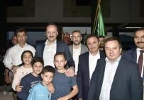 ABDULLAH ÖZER - İftar Sofraları Bu Kez Kıbrıs Mahallesi'nde Kuruldu
