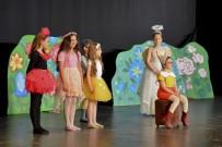 MALTEPE BELEDİYESİ - Maltepe'nin Minik Tiyatrocuları Sahnede