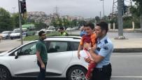 DINDAR - (Özel) Babası Kaza Yapınca Ağlayan Çocuğu Polis Ekipleri Sakinleştirdi