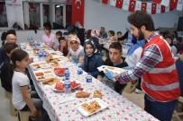 MEHMET UZUN - Türk Kızılayı, Çocuklarla Birlikte İftar Yaptı