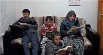 Balya'da Veliler Öğrencilerle Birlikte Kitap Okuyorlar