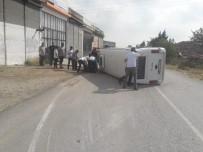 YOLCU MİNİBÜSÜ - Denizli'de Trafik Kazası Açıklaması 8 Yaralı