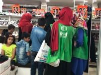 KERMES - Elazığ'da 200 Çocuğa Bayramlık