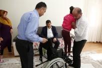 SEREBRAL PALSİ HASTASI - Fadıloğlu'ndan İki Engelli Hastaya Tekerlekli Sandalye Sürprizi