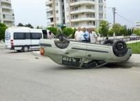 ÖĞRENCİ SERVİSİ - Öğrenci Servisiyle Çarpışan Otomobil Takla Attı Açıklaması 1 Yaralı