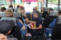 EVLİLİK TEKLİFİ - Zabıtadan Halk Otobüsünde Çılgın Evlilik Teklifi