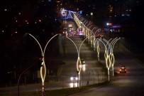 AY YıLDıZ - Aliağa Caddeleri Işıl Işıl