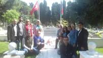 DEVLET TİYATROSU - Azerbaycan Tiyatro Ekibinden Şehitlik Ziyareti