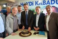 Belediye Başkanına Sürpriz Doğum Günü Kutlaması
