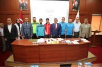 DARıCA GENÇLERBIRLIĞI - Darıca Meclisinde Başarılı Sporcular Ödüllendirildi