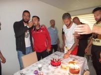 DOĞUM GÜNÜ PASTASI - Diyarbekirspor'da Sürpriz Doğum Günü Kutlaması