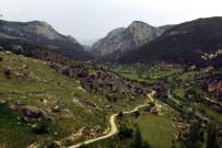 YALÇıN KAYA - Eğrigöz Kalesi Ve İkitaş Kanyonu Turizme Kazandırılmayı Bekliyor
