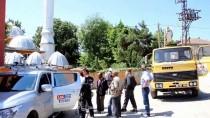 YARDIM TALEBİ - Elektrik Tellerine Takılan Güvercin Kurtarıldı