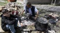 Kalaycılığı Yaşatmak İçin Türkiye'yi Dolaşıyor