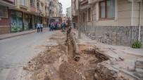 Karacabey'deki Hummalı Altyapı Çalışmalarına Vatandaşlardan Hoşgörülü Yaklaşım