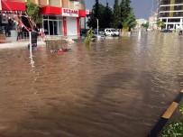 BEŞEVLER - Kilis'te Sağanak Yağış Ve Dolu Hayatı Olumsuz Etkiledi
