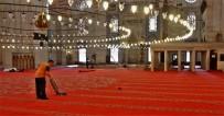 HALIÇ - Süleymaniye Camii'nin Halıları Değişiyor