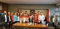 MEHMET KAPLAN - Avrupa Şampiyonu Hokeycilerden Emniyet Müdürüne Ziyaret