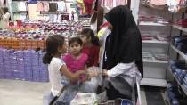 YETİM ÇOCUK - Bakan Fakıbaba, Yetim Ve Öksüz Çocukları Giydirdi