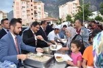 İSMAIL ÇORUMLUOĞLU - Başkan Çelik İftarını Adnan Menderes Mahallesinde Açtı