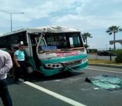 MOLDOVA - Halk Otobüsüyle Hafriyat Kamyonu Çarpıştı Açıklaması 15 Yaralı